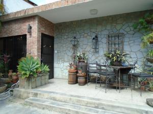 Casa En Venta En Caracas, La Trinidad, Venezuela, VE RAH: 17-7516