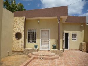 Casa En Venta En Punto Fijo, Puerta Maraven, Venezuela, VE RAH: 17-7340