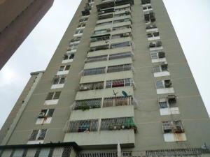 Apartamento En Venta En Maracay, Avenida Constitucion, Venezuela, VE RAH: 17-7374