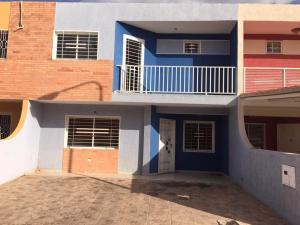 Townhouse En Venta En Ciudad Bolivar, Agua Salada, Venezuela, VE RAH: 17-7349