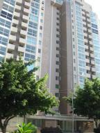 Apartamento En Venta En Maracay, Base Aragua, Venezuela, VE RAH: 17-7360