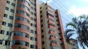 Apartamento En Venta En Valencia, Prebo I, Venezuela, VE RAH: 17-7372