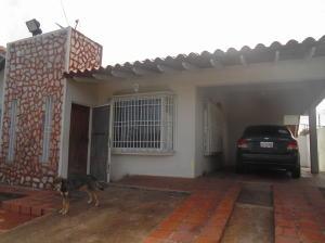 Casa En Venta En Ciudad Bolivar, Av La Paragua, Venezuela, VE RAH: 17-7500