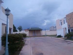 Townhouse En Venta En Ciudad Ojeda, Plaza Alonso, Venezuela, VE RAH: 17-6285