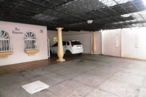 Casa En Venta En Maracay, El Hipodromo, Venezuela, VE RAH: 17-7406