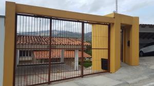 Casa En Ventaen Caracas, Prados Del Este, Venezuela, VE RAH: 17-7428