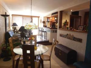 Apartamento En Venta En Maracaibo, Bellas Artes, Venezuela, VE RAH: 17-7442