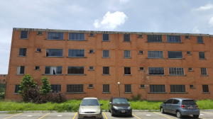 Apartamento En Venta En Municipio San Diego, El Tulipan, Venezuela, VE RAH: 17-7447