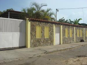 Casa En Venta En Maracaibo, Circunvalacion Dos, Venezuela, VE RAH: 17-7477