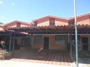 Casa En Venta En Guarenas, Nueva Casarapa, Venezuela, VE RAH: 17-6696