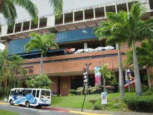 Local Comercial En Venta En Caracas, Santa Fe Norte, Venezuela, VE RAH: 17-7503