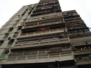 Apartamento En Venta En Caracas, Propatria, Venezuela, VE RAH: 17-7513