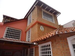 Casa En Venta En Caracas, La Trinidad, Venezuela, VE RAH: 17-6832