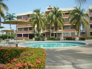 Apartamento En Ventaen Lecheria, Complejo Turistico El Morro, Venezuela, VE RAH: 17-7531