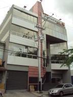 Local Comercial En Venta En Maracay, La Maracaya, Venezuela, VE RAH: 17-7534