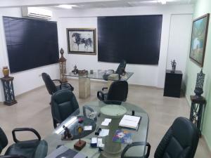 Oficina En Alquiler En Maracaibo, Tierra Negra, Venezuela, VE RAH: 17-7563