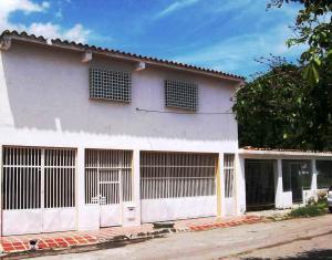 Casa En Venta En Palo Negro, Conjunto Residencial Palo Negro, Venezuela, VE RAH: 17-7616