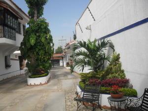 Casa En Ventaen Maracay, Barrio Sucre, Venezuela, VE RAH: 17-7632