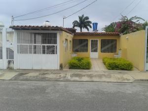 Casa En Venta En Barquisimeto, Parroquia El Cuji, Venezuela, VE RAH: 17-7653
