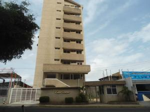 Apartamento En Venta En Maracaibo, Avenida Bella Vista, Venezuela, VE RAH: 17-7779