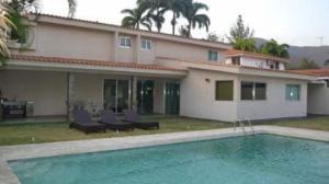 Casa En Ventaen Valencia, Guataparo Country Club, Venezuela, VE RAH: 17-7712