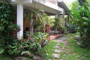 Casa En Venta En Maracay, El Castaño, Venezuela, VE RAH: 17-7689