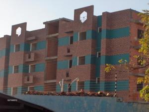 Apartamento En Venta En Ciudad Bolivar, Av La Paragua, Venezuela, VE RAH: 17-7702