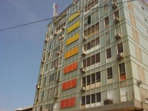 Apartamento En Venta En Maracaibo, Avenida Bella Vista, Venezuela, VE RAH: 17-7721