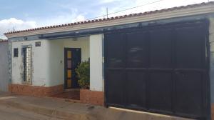 Casa En Venta En Coro, Aristides Calvani, Venezuela, VE RAH: 17-7731