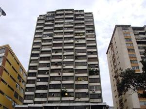 Apartamento En Venta En Caracas, El Marques, Venezuela, VE RAH: 17-7735