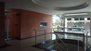 En Venta En Caracas - El Rosal Código FLEX: 17-7746 No.13