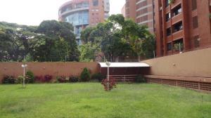 En Venta En Caracas - El Rosal Código FLEX: 17-7746 No.17