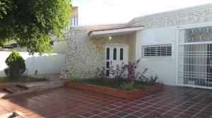 Townhouse En Venta En Maracaibo, Santa Fe, Venezuela, VE RAH: 17-7752