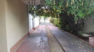 Casa En Venta En Maracaibo, Cecilio Acosta, Venezuela, VE RAH: 17-7767