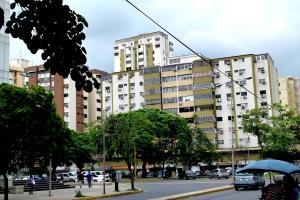 Apartamento En Venta En Maracay, Las Delicias, Venezuela, VE RAH: 17-7775