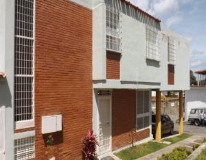 Casa En Venta En Caracas, Los Dos Caminos, Venezuela, VE RAH: 17-7784