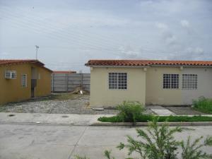 Casa En Venta En Acarigua, Centro, Venezuela, VE RAH: 17-7813