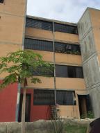Apartamento En Venta En Municipio Los Guayos, Buenaventura, Venezuela, VE RAH: 17-7836