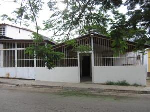 Casa En Venta En Municipio Garcia El Valle, El Valle Del Espiritu Santo, Venezuela, VE RAH: 17-7827