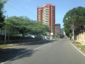 Terreno En Venta En Maracaibo, La Lago, Venezuela, VE RAH: 17-7846