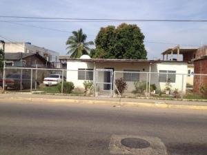 Terreno En Ventaen Ciudad Ojeda, Avenida Vargas, Venezuela, VE RAH: 17-7850