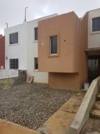 Casa En Venta En Cabudare, La Mora, Venezuela, VE RAH: 17-7859