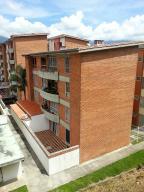 Apartamento En Venta En Caracas, Miravila, Venezuela, VE RAH: 17-7867