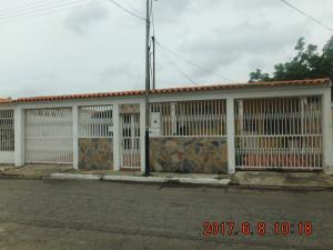 Casa En Venta En Guacara, Ciudad Alianza, Venezuela, VE RAH: 17-7893