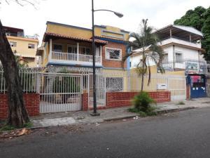 Casa En Venta En Caracas, Las Acacias, Venezuela, VE RAH: 17-7903
