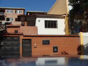 Casa En Venta En Caracas, El Rosal, Venezuela, VE RAH: 17-7785