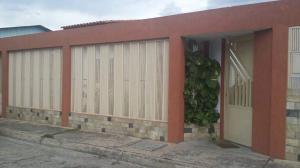Casa En Venta En Maracay, Quinta Grande, Venezuela, VE RAH: 17-7911