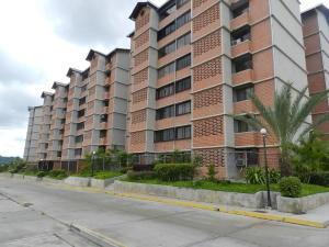 Apartamento En Venta En Caracas, Terrazas De Guaicoco, Venezuela, VE RAH: 17-7946