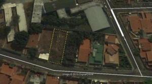 Terreno En Venta En Maracay, Andres Bello, Venezuela, VE RAH: 17-7952