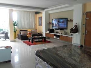 Apartamento En Venta En Valera, Las Acacias, Venezuela, VE RAH: 17-8372